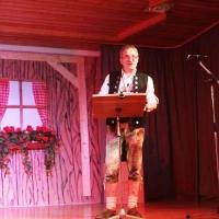 25 Jahre Schneckenbürgler Schneeschreck: Schnitzschreck Ekki Moser begrüßte die Jubiläumsgäste.