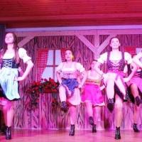 25 Jahre Schneckenbürgler Schneeschreck: Zur Unterhaltung tanzte das Showballett der Hofpeter.