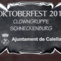 Die Clowngruppe in Calella (bei Barcelona): Die Erinnerungstafel für die Teilnehmer.