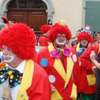 Rosenmontag:  Die Clowngruppe lief zum Speckessen ein.
