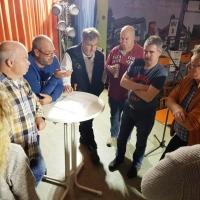11.11. in der Linde: In der Generalprobe wurden technische Einzelheiten besprochen.