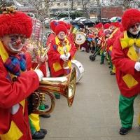 Schmutziger Donnerstag: Die Clowngruppe besuchte ihren Musiker Alexander Urban im Krankenhaus.