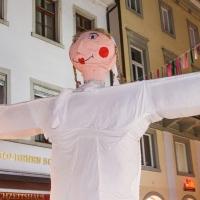 Verbrennung auf dem Stephansplatz: Die Puppe kam auf den Platz.
