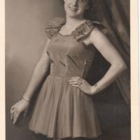 Ballett-Meisterin Elfriede Senger (später Bischoff).