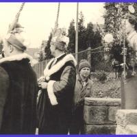 Schmutziger Donnerstag: Die Weckerkolonne beim kurzen Halt bei der der Firma Nübel.