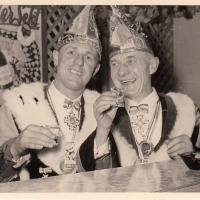 Kehraus mit Verbrennung in der Gebhardshalle. Präsident Konrad Uetz und Vizepräsident Gustav Kabusreuther haben es wieder einmal geschafft.