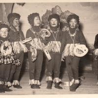 """Großer Bunter Abend: Die """"10 kleinen Negerlein"""" spielten, sangen und tanzten."""