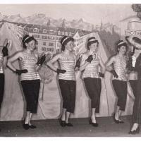 Bunter Abend: Mit Anmut und Rhythmus ging es in die Pause. Das Damenballett tanzte unter der Einstudierung von Elfriede Senger.