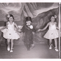 Bunter Abend: Außerplanmäßiger Tanz von Gisela und Günther Uetz und Margot Holdenried. Der Präsident war begeistert, dass seine Kinder so gut ankamen.