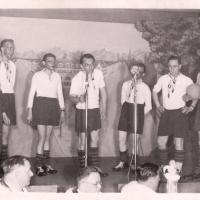 Bunter Abend: In der Mannschaft standen: Herbert May, Walter Stöß, Alfred Koch, Bruno Ramsperger, Werner Mutter, Arno Moser, und Paul Bischoff.