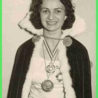 Am 08.11.1958 folgte die Wahl der neuen Schneckenprinzessin. Die dem Elferrat noch unbekannte Kandidatin Frau Gisela Heissig war persönlich erschienen um sich vorzustellen und wurde mit großer Mehrheit (20:1) gewählt. Sie hatte wohl einen guten Eindruck hinterlassen. Am 11.11. wurde sie getauft.