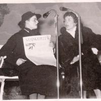 Bunter Abend: Die Gleichberechtigung im Sinne hatten Else Uetz und Hedwig Koch.