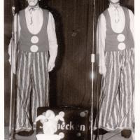Bunter Abend: Er ist noch gescheiter geworden, unser Meister-Clown Ewald Volz. Hier mit seinem Hilfs-Clown Walter Stöß.