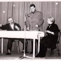 Bunter Abend im Schützen: A. und H. Koch und W. Theuerjahr veranstalteten eine Volkszählung bzw. Volksbefragung.