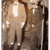 Bunter Abend im Schützen: A. Kinninger und H. Müller, zwei Gäste der Schlafkappen, überbrachten einen Gruß aus Hegne.
