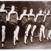 Bunter Abend im Schützen: Früher tanzte man Twist. Und wie, das zeigte uns das Schneckenburg-Ballett unter der Leitung von Inge Stöß.