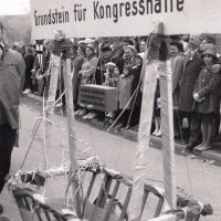 Umzug in Wollmatingen: Die Leiterwagen-Karawane unterwegs.