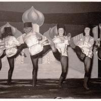 Bunter Abend im Schützen: Die Schneckenburg-Garde als Ballett Russikana.