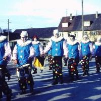 Schmutziger Donnerstag: Der Fanfarenzug spielte erstmals in einem Clownkostüm.