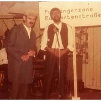 """Fasnachtseröffnung im Ziegelhof: Dieter und Walter Stöß zeigten einen """"Sketsch in der Rosgartenstraße""""."""