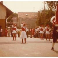 Fanfarenzug und Garde beim Umzug in Teningen.