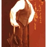 Narrenkonzerte im Konzil: Elli Bischoff als Luis Trenker, der König der Berge.