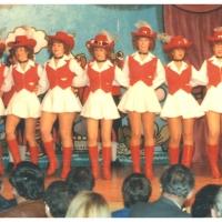 Narrenkonzerte im Konzil: Fanfarenzug-Solisten und Ballett beim Auftakt-Marsch des Abends.