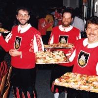 70 Jahre Schneckenburg: Der Fanfarenzug versorgte die Gäste mit kleinen Häppchen.