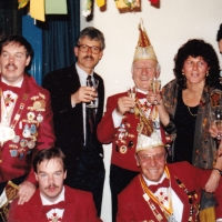 70 Jahre Schneckenburg: Schon während dem Programm ging es an der Bar hoch her.