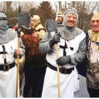 Umzug in Wollmatingen: Die Schneckenburg geht komplett als Ritter.