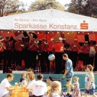 Die Clowngruppe beim Auftritt am Petershäusler Stadtteilfest.