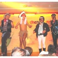 """11.11. in der Linde: """"YMCA"""". Das Männerballett unter der Leitung von Karin Ott."""