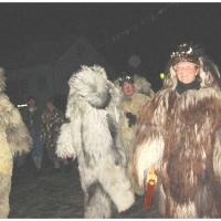 Der Schneeschreck beim Nachtumzug in Dornstadt. Der Umzug ist zu Ende.