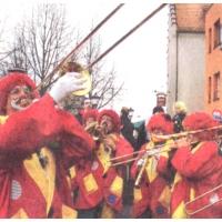 Schmuztiger Donnerstag: Die Clowngruppe auf dem Fischmarkt beim Südkurier.
