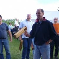 Schneckenburg Gartenfest: Der Rätschenwettbewerb war voll im Gange.