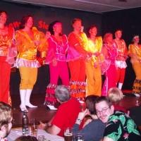 """11.11. in der Linde: """"Just For ABBA"""" mit der Tanzgruppe """"Just for Fun"""" unter der Leitung von Ute Hofmeier. Es tanzten mit: Christine Degen, Corina Götz, Manuela Held, Marion Lohrer, Sonja Lohrer, Anja Martini, Michaela Schuster und Tanja Traber."""