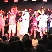 11.11. in der Linde: Zum Abschluß spielte die Clowngruppe unter der Leitung von Gerd Zachenbacher.
