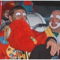 Rosenmontag war Clowntag: Dann ging es mit dem Bus auf die Dörfer.