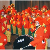 Rosenmontag war Clowntag: Auftritt bei den Mooser Rettich.