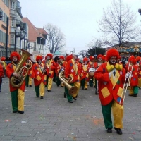 Schmutziger Donnerstag: Die Clowngruppe auf der Marktstätte.