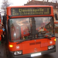 Schmutziger Donnerstag: Dann wurde der Bus bestiegen.