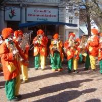 Schmutziger Donnerstag: Die Clowngruppe spielte vor der Pfauenpassage.