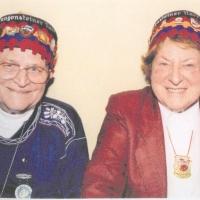 80. Geburtstag von Paul Bischoff: Paul und Elli wurden in die Langensteiner Cumpaney aufgenommen.