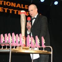 Männerballett-Treffen vom Schbeeschreck: Ansager Axel Zunker bei der Preisverleihung.