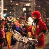 Narrenbaumstellen auf dem Gottmannplatz: Dann folgte die Clowngruppe.