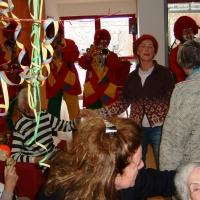 Rosenmontag mit der Clowngruppe: Besuch in der Rosenau.