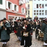 Umzug an Fasnachtssonntag: Die Schneckenburg war auch dabei.