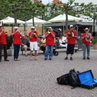 Vatertag der Clowngruppe: In Friedrichshafen spielten sie auf der Promenade.