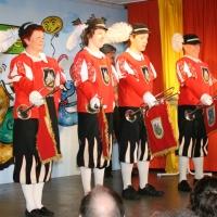 11.11. in der Linde: Zuerst kam der Fanfarenzug mit Petra Bruderhofer, Dominik Fritzsche, Bastian Deutinger und Jörg Deicher.