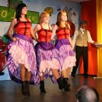 11.11. in der Linde: Dann trat das Ballett mit Anna Deutinger, Stephanie Schieß und Melanie Mühlbrandt auf.
